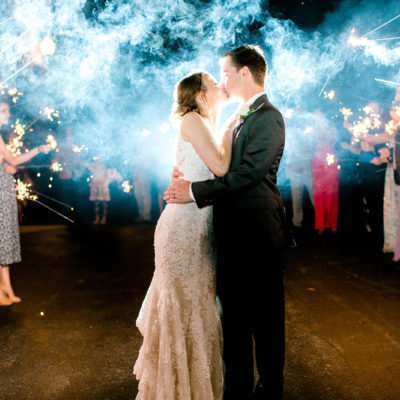 Pros and Cons of Getting Married on a Holiday